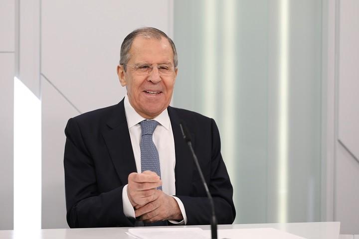 Interview des russischen Außenministers zur Wahl in Weißrussland und was der Spiegel daraus macht