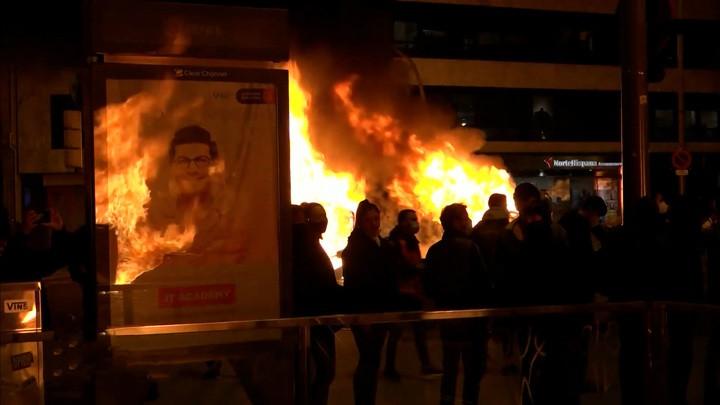 Propaganda nach Lehrbuch: Mit welchen Mitteln der Spiegel brutale Polizeigewalt in Spanien verharmlost