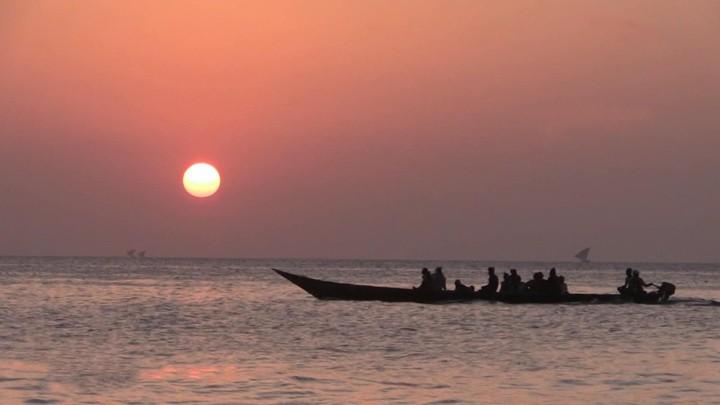 """Das russische Fernsehen über Urlaub im """"Corona-freien"""" Tansania"""